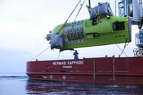 Elokuvaohjaaja James Cameronin suunnittelemaa Deepsea Challenger -alusta testattiin ennen ennätyssukellusta Australian rannikolla.