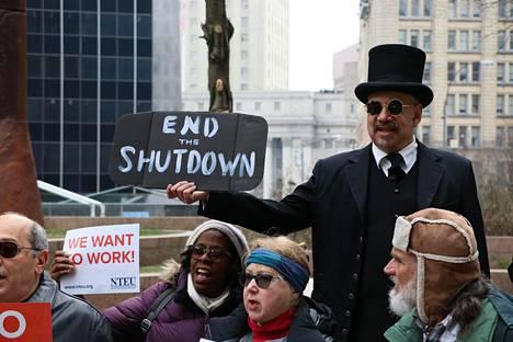 Liittovaltion sulku jatkuu pian jo viidettä viikkoa.