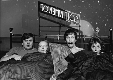 Kinnunen tähditti suosittua Soitinmenot-komediasarjaa 80-luvulla.