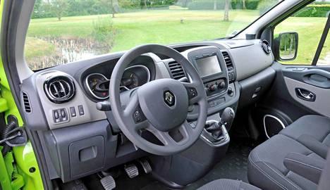 Renault on panostanut matkustusmukavuuteen. Traficin ohjaimissa viihtyy helposti useammankin tunnin putkeen.