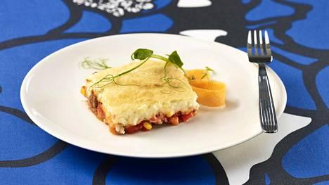 Värikäs kasvispaistos oli yksi voittajaksi selviytyneistä annoksista. Sen valmisti Kotkan Ruonalan koulun keittiö.