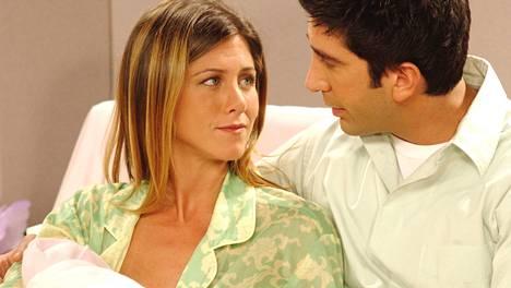 Rachel (Jennifer Aniston) ja Ross (David Schwimmer) saivat yhdessä tyttären, Emman.