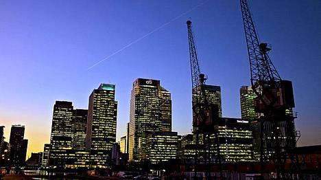 Canary Wharfin aluetta Lontoossa.