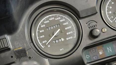 Osa myynnistä olevista vaihtomoottoripyöristä on niellyt jo paljon kilometrejä. Siksi vähän ajettuja tuodaan taas Manner-Euroopasta Suomeen.