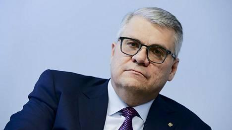 Toimitusjohtaja Jussi Pesonen hoitaa biorefining-liiketoiminnan johtamisen toistaiseksi.