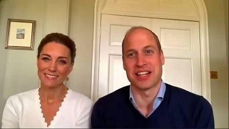 Catherine ja William ovat jatkaneet edustustehtäviä korona-aikana videopuheluiden välityksellä.