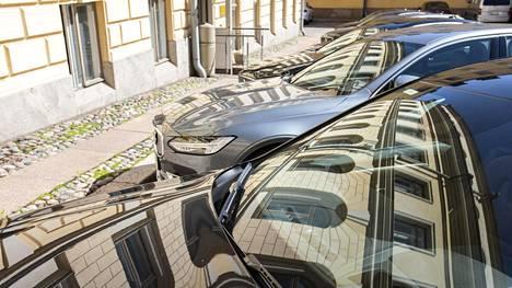 Volvo on valtalaji, sitten BMW ja kolmantena Mercedes-Benz. Audeja on enää yksi.