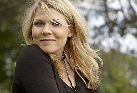 Katri Ylanderin keikkatahti on hiljentynyt, kun levy ei enää keiku listoilla. Kansan suosiosta taistelevat nyt myös uudet Idols-kisaajat.