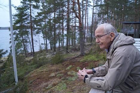 Tätä maata ja maisemaa kannatti puolustaa. Matti Rautiainen viettää vanhuudenpäiviään Haukiveden rannalla Savonlinnan Oravissa.