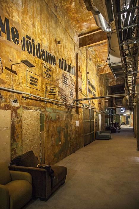 Baltian ihmisketjusta kertova Vabamun näyttely sijaitsee Telliskivessä.