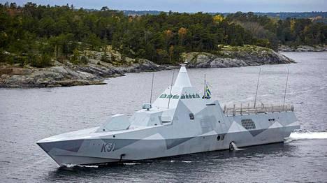 Ruotsin puolustusvoimien HMS Visby partioi saaristossa sunnuntaina.