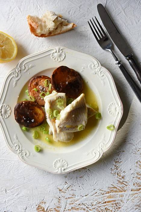 Voi ja sitruuna ovat klassisia kalan kumppaneita.