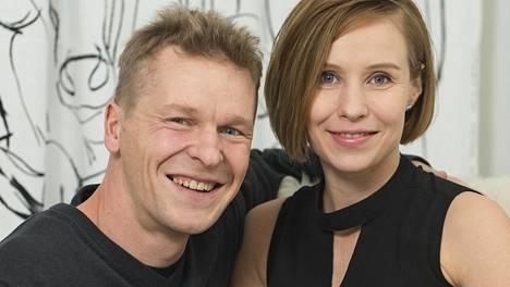 Toni Nieminen vahvistaa Ilta-Sanomille asuvansa nykyään eri osoitteessa kuin hänen Heidi-vaimonsa.