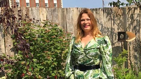 Taina Suonio suunnitteli puutarhan maailmankuuluun tapahtumaan, jossa vieraili maanantaina myös kuningatar Elisabet.