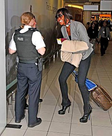 Naomi Campbell oli maireana poliiseille, joiden päälle hän oli aiemmin sylkenyt.