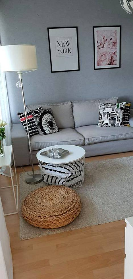 Korimainen sohvapöytä on loistava keksintö säilytystilan luomiseksi.