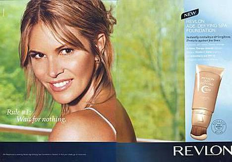 Malli ja näyttelijä Elle Macpherson kaunistaa Revlon-mainosta.