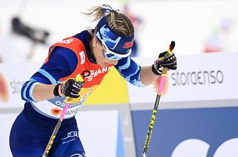 Riitta-Liisa Roponen hiihti torstain viestissä Suomen kolmososuuden.