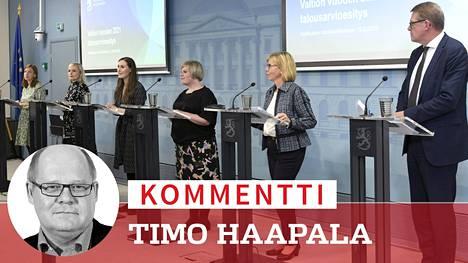 Hallituksen budejttiriihi oli poikkeuksellinen. Sen junaili alusta loppuun puheenjohtajaviisikko valtiovarainministeri Matti Vanhasen (kesk) tahtiin. Sektoriministereitä ei infossakaan nähty.