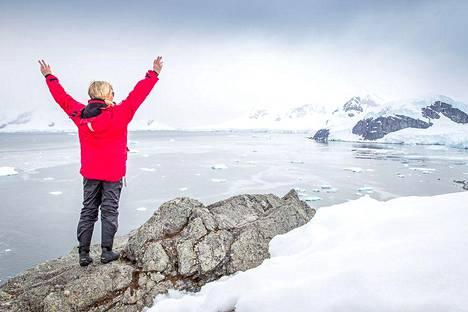 Anna-Katri suosikkipaikassaan Etelämantereella.
