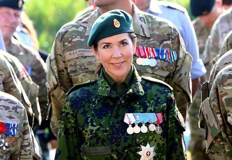 Kruunuprinsessa Mary osallistui viikonloppuna sotaharjoituksiin ja sotilasparaatiin.