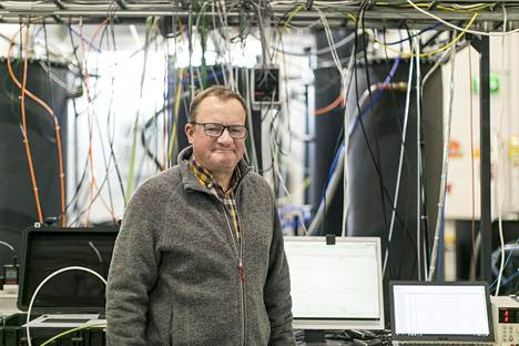 –Olisin yllättynyt, jos tällä keksinnöllä ei todella olisi mullistavia vaikutuksia, Ilkka Herlin kertoo innovaatiosta, jolla aurinko- ja tuulienergiaa pystytään varastoimaan