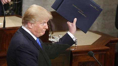 Yhdysvaltain presidentti Donald Trump ilmoitti haluavansa leikata reseptilääkkeiden hintaa.