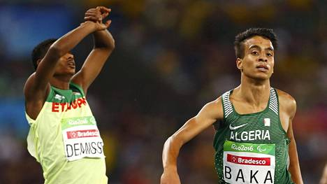 Algerian Abdellatif Baka nappasi kultaa.