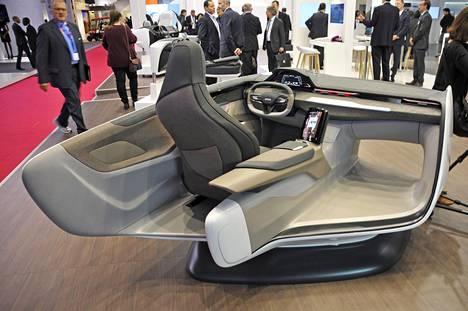 Nykyautoissa ergonomia on tärkeässä roolissa, ja siihen kiinnitetään yhä enemmän huomiota. Ajoergonomian lisäksi kognitiivinen ergonomia tunnustetaan nykyisin laajemmin.
