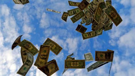 Työntekijät kokevat saavansa vain rippeet 12 miljardin dollarin kauppahinnasta.