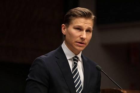Kokoomuksen kansanedustaja Antti Häkkänen uskoo, että ellei maakuntaveroa koskevaa lakiesitystä tuoda tämän vuoden loppuun mennessä eduskuntaan, ei sitä ehditä käsittelemään loppuun tällä vaalikaudella.