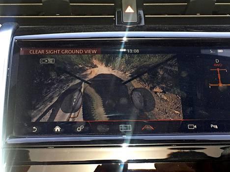 ClearSight Ground View -virtuaalinäkymä tekee tekee konepellistä keinotekoisesti läpinäkyvän. Kiva lelu, mutta tosipaikan tullen luottamus saattaa hieman horjua.
