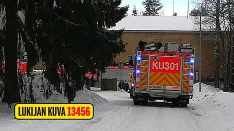 Vantaan Kulomäessä sattuneessa tulipalossa kuoli 30–40-vuotias nainen.