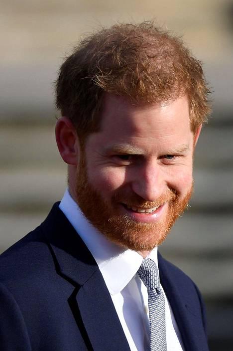 Harry on jäänyt Britanniaan selvittelemään hänen ja Meghanin ilmoituksesta syntynyttä kohua yksin. Meghan on parhaillaan Kanadassa parin Archie-pojan kanssa.
