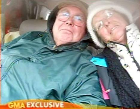 John Rhoads, 65, ja vaimo Starry Bush-Rhoads, 67, seurasivat autonsa gps-navigaattorin ajo-ohjeita.