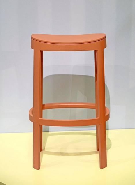 Lammi-tuoli on Saku Sysiön suunnittelema, Made By Choice.