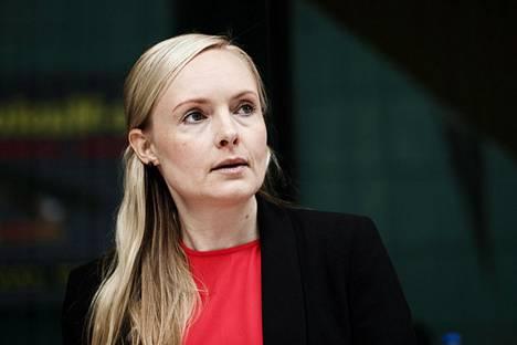 Sisäministeri Maria Ohisalo haluaa selvityksen pelisäännöistä poliisin mielenosoituksissa toimimisesta.