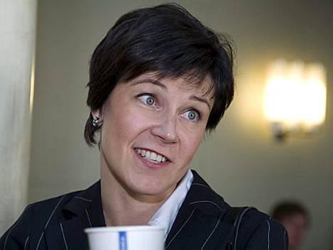 Kokoomuksen kansanedustaja Marja Tiura ei ole potenut yletöntä vauvakuumetta ennen iloista uutista.