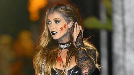 Courtney Bigham Sixx juhli Halloweeniä.
