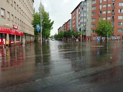 Lahden keskustan pohjoisosassa tulvat ovat aiheuttaneet erityisen paljon vahinkoa.