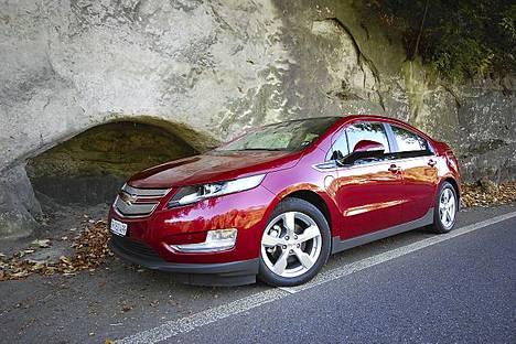 Ilta-Sanomat koeajoi Chevrolet Voltin viime vuonna kahdesti; Kiinan Shanghaissa sekä Sveitsissä.