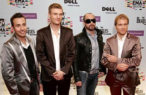 Tämän näköisenä Backstreet Boys edusti MTV Europe Music Awardseissa vuonna 2009. Kevin Richardson jätti bäkkärit kesäkuussa 2006, mutta palasi bändin riveihin vuoden 2008 lopulla. Kuvassa edustavat Howie Dorough (vas.), Nick Carter, AJ McLean ja Brian Littrell.