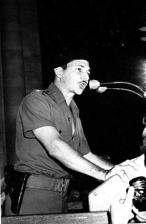 Puolustusministeri Raúl Castro toukokuussa 1961.
