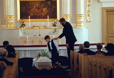 Juha Mieto menetti puolisonsa vuoden 1996 lopussa. Miedon mukaan se on hänen elämänsä suurin tragedia.