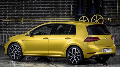 Kuvassa on tuore Volkswagen Golf.
