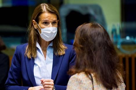 Belgian ulkoministeri ja entinen vt. pääministeri Sophie Wilmes siirrettiin torstaina tehohoitoon koronavirustartunnan takia