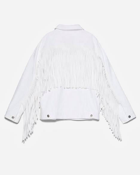 Täydellinen statement-takki! Hapsut ovat tänä kesänä iso juttu, 49,95 €, Zara.