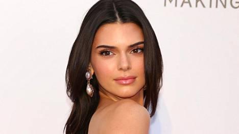 Malli Kendall Jenner pääsi sopuun Fyre-festivaalin oikeusjupakassa.