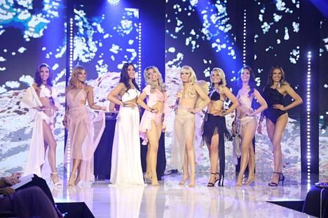 Miss Suomi 2021 finaalikahdeksikko.