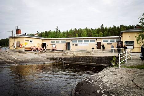 Rauhaniemen kansankylpylä on toiminut Tampereella vuodesta 1929 asti.